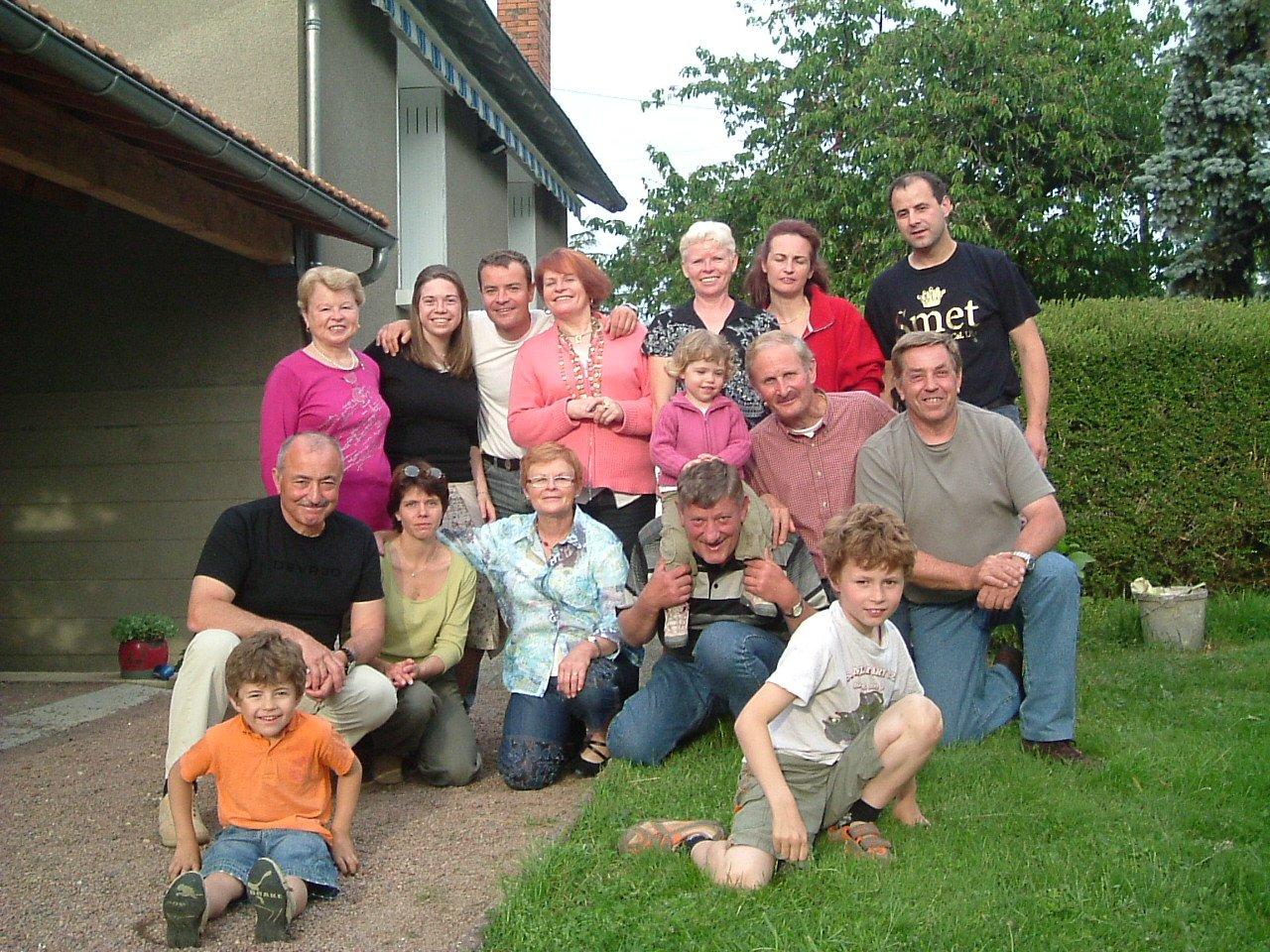 famillelilejourdain19mai20073.jpg